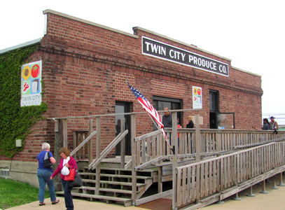 Twin City Farmer's Market in the Twin City Produce building in Sterling, IL